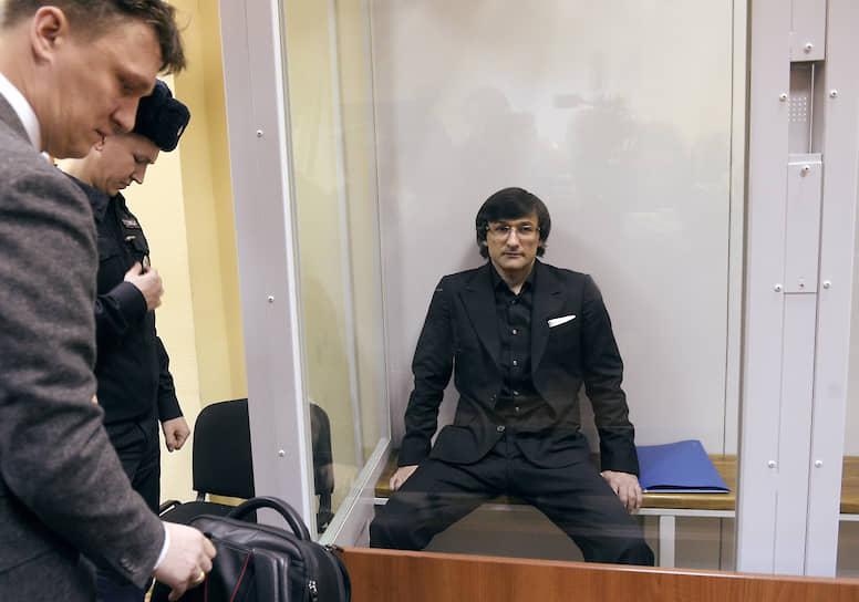 Дело Руслана Горринга (справа) рассматривается в особом порядке, что гарантирует ему относительно мягкое наказание