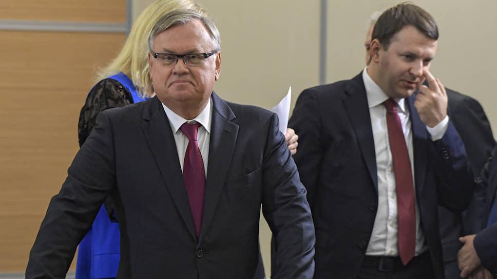 Глава ВТБ Андрей Костин в отличие от министра экономического развития Максима Орешкина уверен в себе как никогда раньше