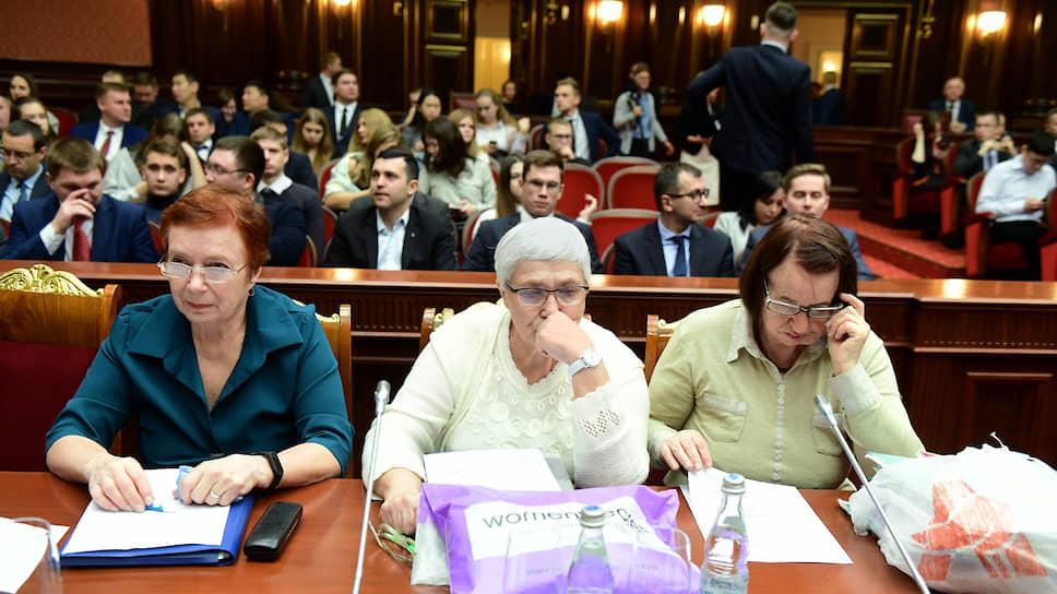 Заседание Конституционного суда России по жалобе Евгении Шашевой, Алисы Мейсснер, и Елизаветы Михайловой