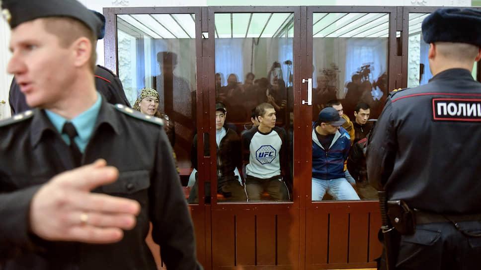 Теракт не вписался в четыре пожизненных / Вынесен приговор по делу о взрыве в петербургском метро