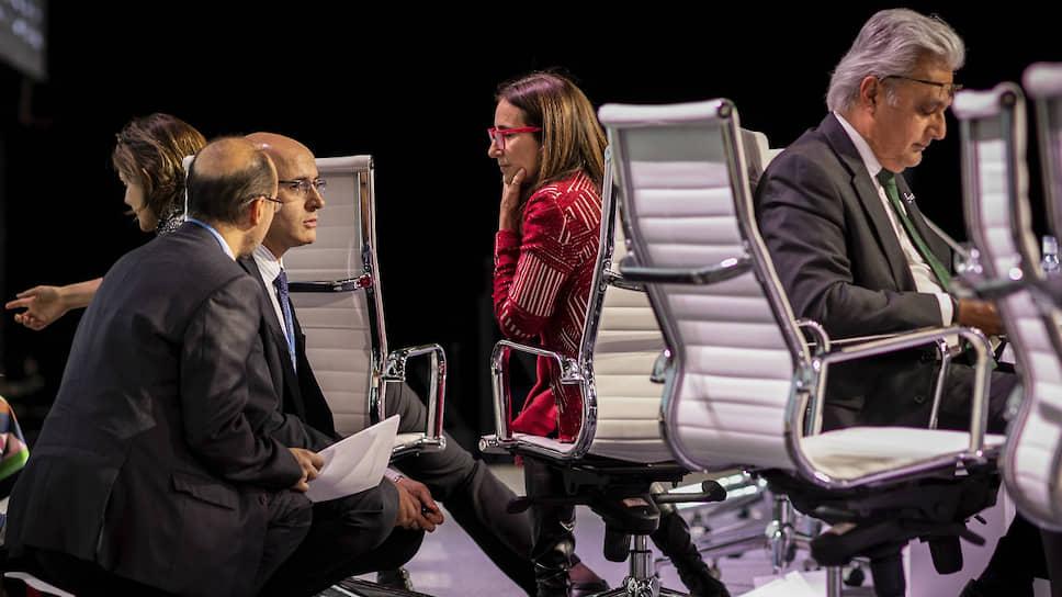 Председатель климатической конференции COP25 в Мадриде Каролина Шмидт (в центре) не смогла добиться от ее участников согласия в вопросах финансирования климатических инициатив