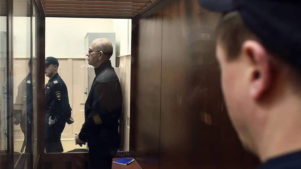 Алексея Кузнецова осудили по запрошенному / Бывший подмосковный чиновник досидит шесть лет и выплатит миллиарды