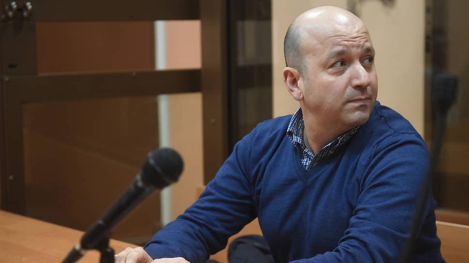 Дипломата Олега Диванова признали виновным в небрежности, из-за которой американцам были незаконно выданы два российских паспорта