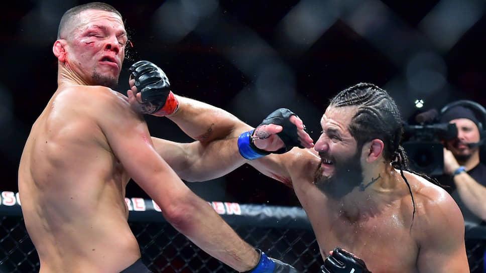 Формально далеко не самый значимый бой в MMA между Нейтом Диасом (слева) и Хорхе Масвидалем поставил в «спящий» режим очень значимый бой в профессиональном боксе
