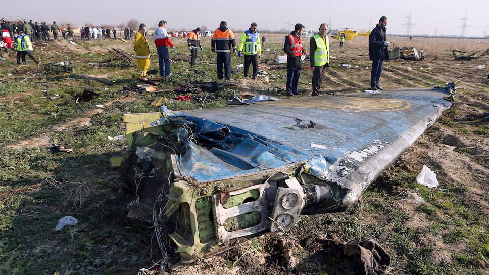 Оговариваясь, что полное расследование катастрофы Boeing 737 займет не менее года, иранские власти уже сейчас дают понять: версия о ракетной атаке не выдерживает критики