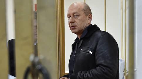 Химзаводу занесли арсенал // В Самаре судят начальника охраны Бориса Березовского