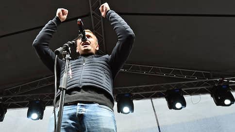 Росгвардия получит денежное довольствие от Алексея Навального и его товарищей  / Суд обязал оппозиционеров выплатить силовикам 2,4млн рублей за работу летом