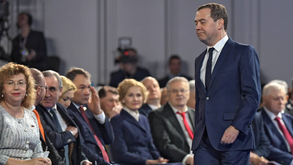 Такое впечатление, что Дмитрий Медведев до начала мероприятия уже обо всем знал