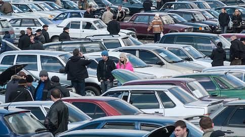 Машины с пробегом подорожали  / Падение первичного рынка не помогло подержанным автомобилям