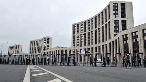 Оппозиция внесла поправки в митинг  / Либертарианцы отказались от акции в защиту Конституции из-за потенциальной малочисленности мероприятия