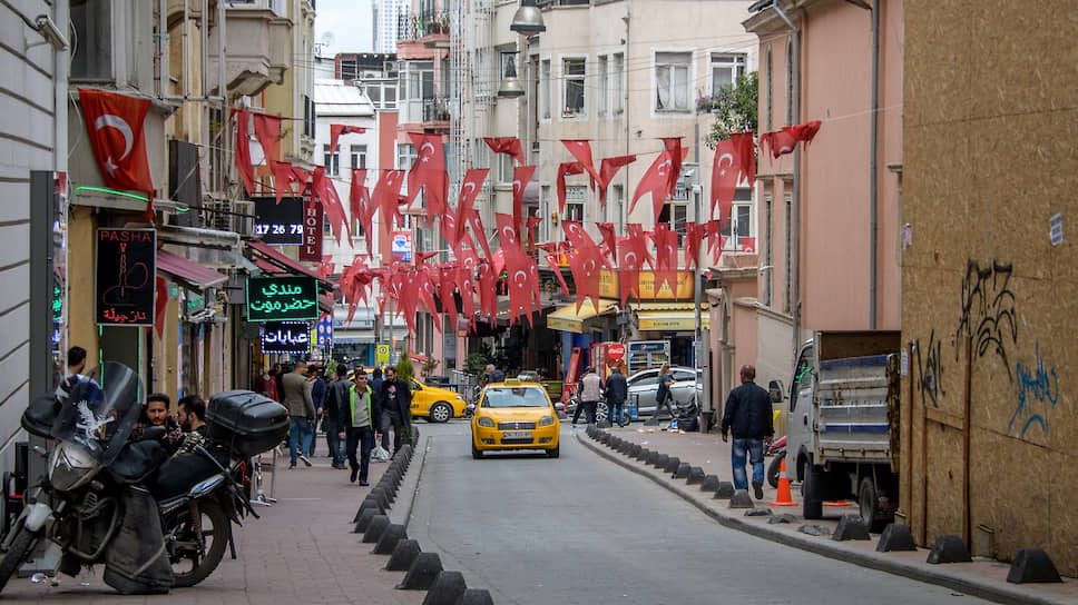 Россияне настроились на лиру  / Валютный курс повысил привлекательность турецкой недвижимости