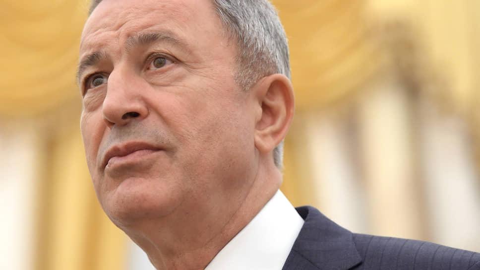 Министр национальной обороны Турции Хулуси Акар