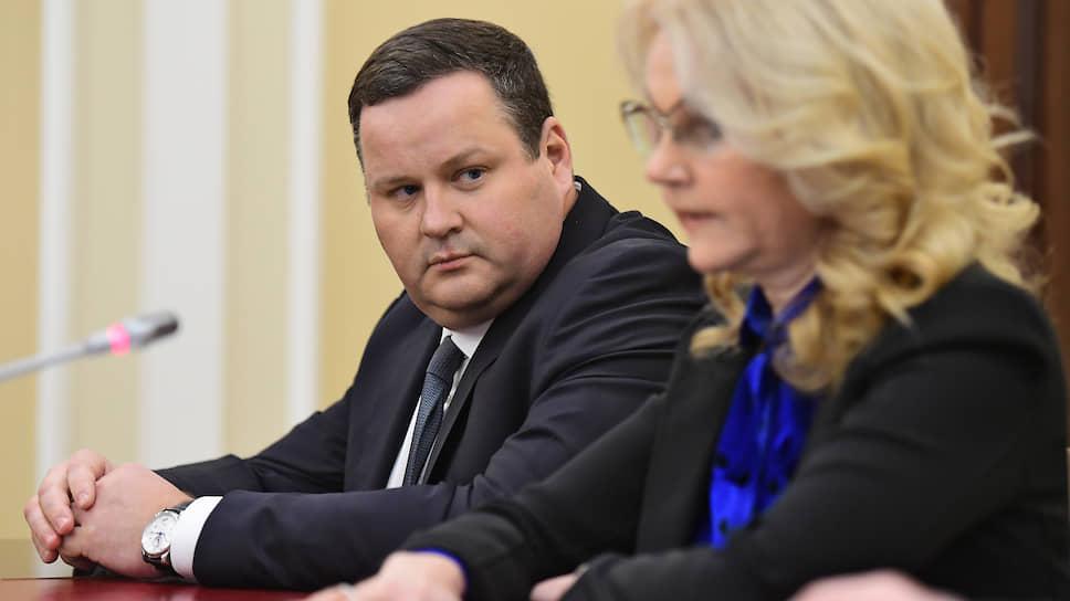 Перед представленным вице-премьером Татьяной Голиковой новым главой Минтруда Антоном Котяковым стоит необходимость детализации нескольких «развилок» в порядке выделения маткапитала 2.0