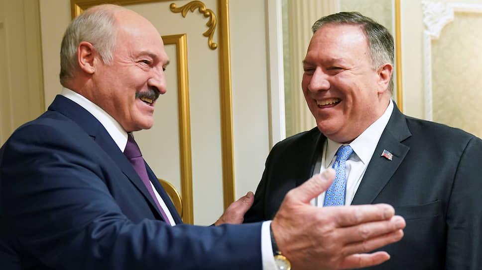 «Очень хорошо, что вы рискнули приехать в Минск и посмотреть на эту страну — что здесь за народ, что за люди, что за диктатура, какая тут демократия»,— сказал президент Белоруссии Александр Лукашенко госсекретарю США Майку Помпео