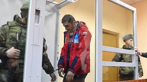 Боксера арестовали как десантника  / Военный суд отправил чемпиона России в СИЗО