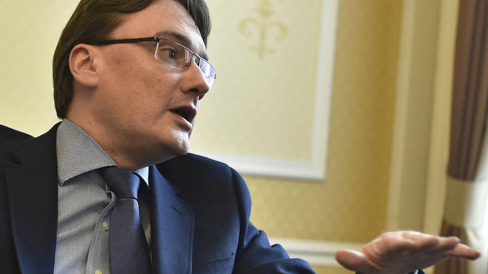 Глава консульского департамента МИД России Евгений Иванов