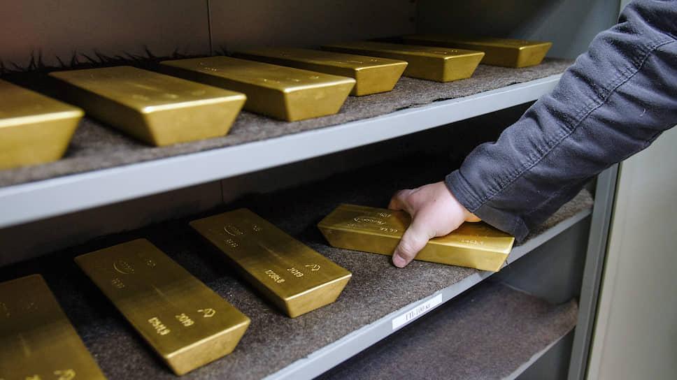 Ходовой эквивалент / Российские банки запаслись золотом