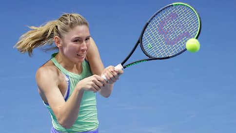 Екатерина Александрова поддержала традицию // Она вышла в полуфинал турнира WTA в Санкт-Петербурге