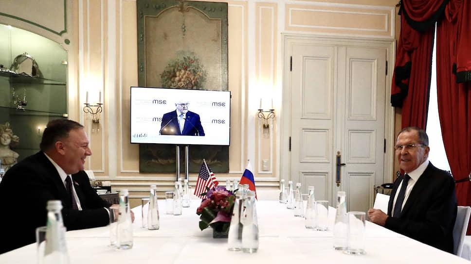 Госсекретарь США Майкл Помпео пообещал Евросоюзу помощь в финансировании проектов, которые позволят снизить энергозависимость от России. При этом его встреча с Сергеем Лавровым, похоже, была весьма дружелюбной. Господин Помпео на прощание даже пожелал ему: «Good luck!»