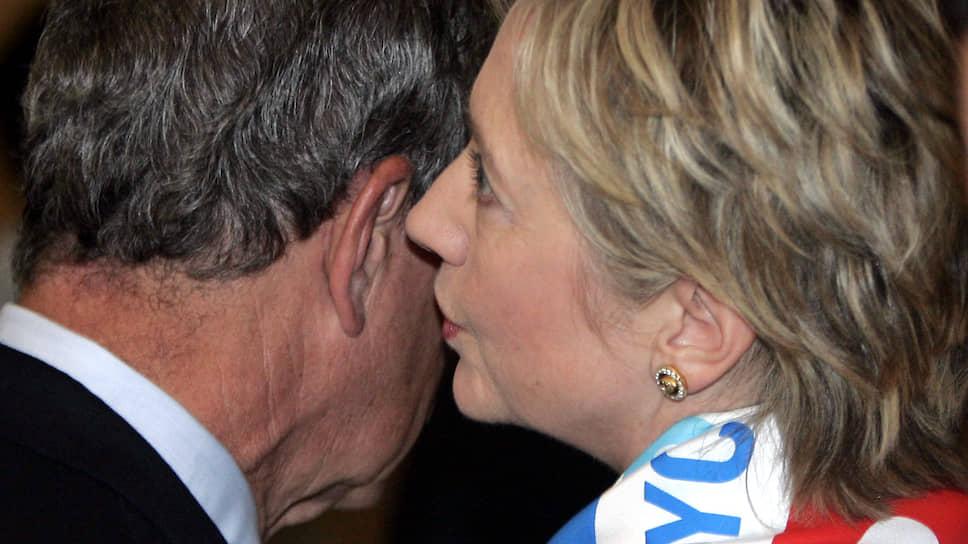 Экс-госсекретарь и бывшая первая леди США Хиллари Клинтон и бизнесмен, политик Майкл Блумберг
