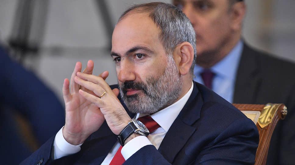 В Армении вносят поправки в Конституционный суд / В республике началась агитационная кампания за и против инициативы Никола Пашиняна