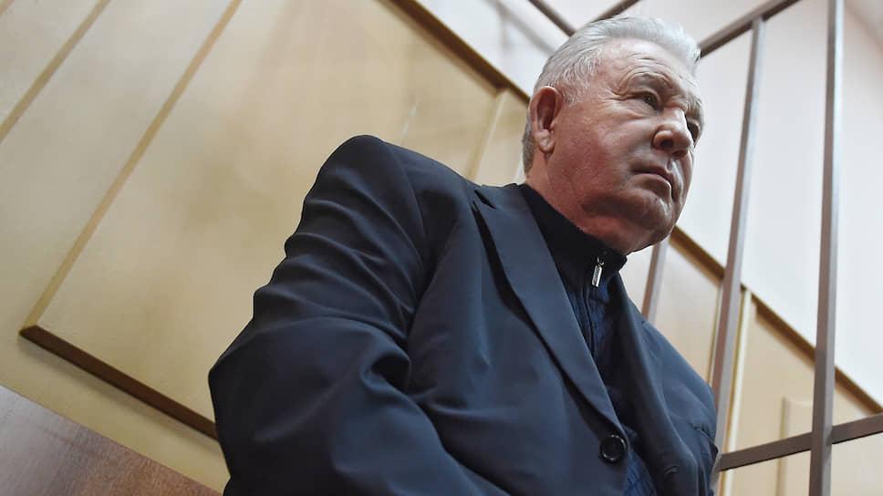 За время расследования его уголовного дела Виктор Ишаев успел перенести две операции