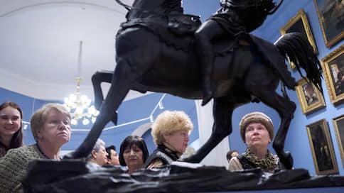 По правилам хорошего трона  / «Александр III. Император и коллекционер» в Русском музее