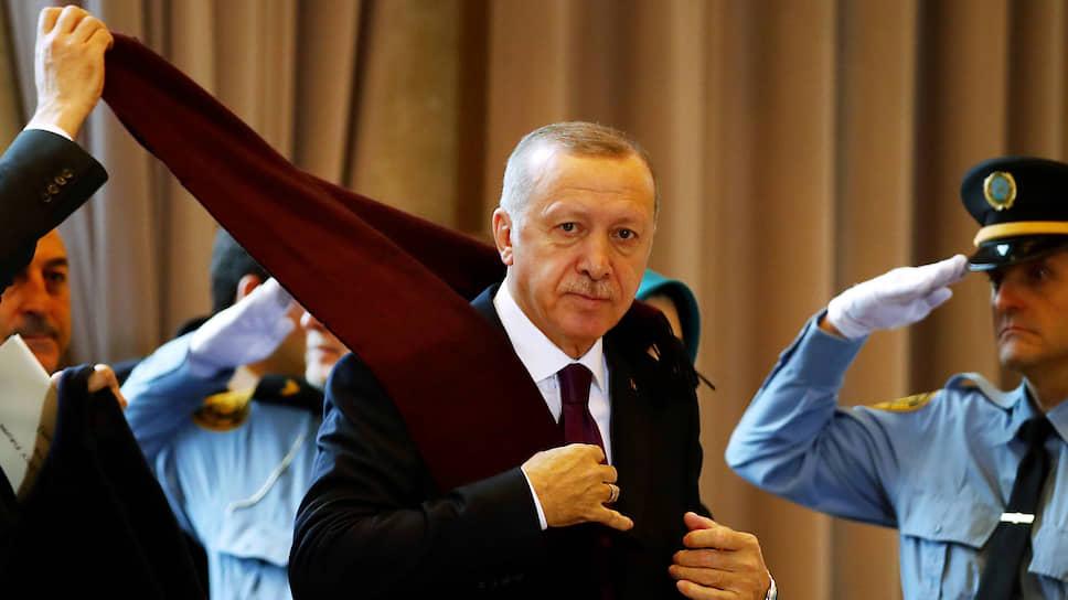 Президент Турции Реджеп Тайип Эрдоган готов вылететь в Москву для обсуждения ситуации в Сирии с российским коллегой Владимиром Путиным