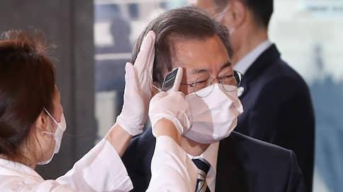 К коронавирусу подцепляют кореевыброс  / Президенту Мун Чжэ Ину хотят объявить импичмент в разгар эпидемии