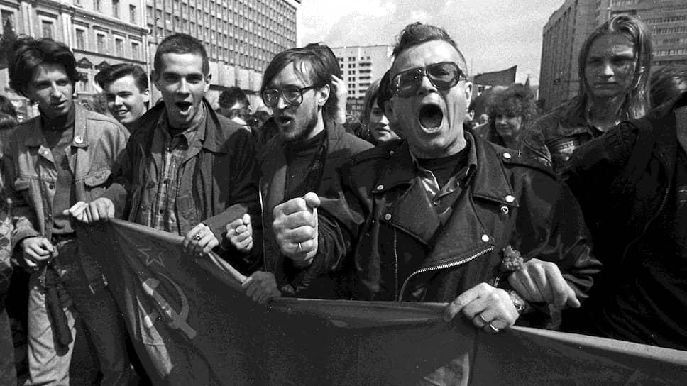 Эдуард Лимонов не разделял политику, протест и литературу