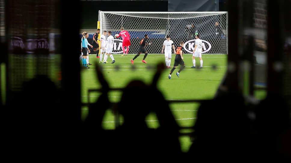 Футбольные лиги расставили по убыванию