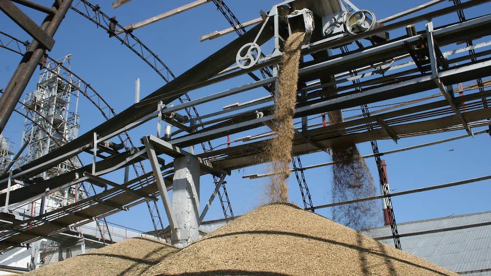 Рубль удобрил зерно