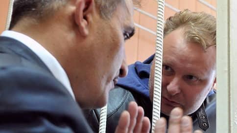 У бывшего замминистра троятся эпизоды // МВД усиливает преследование Алексея Бажанова новыми уголовными делами