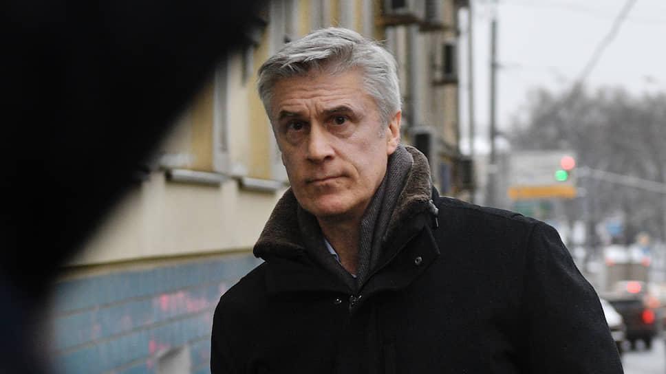 По данным защиты Майкла Калви (на фото), при ознакомлении с его уголовным делом невозможно соблюсти карантинные мероприятия