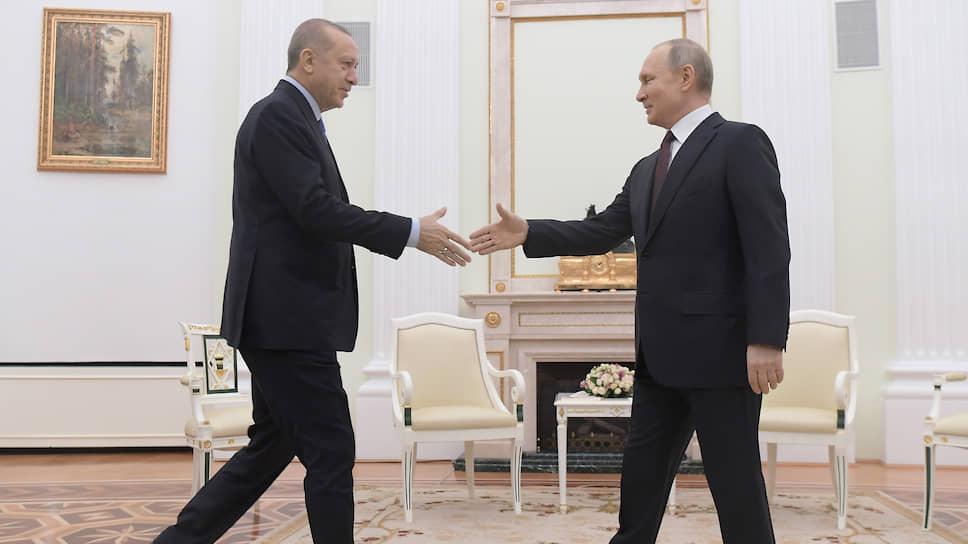 Пока мир болеет, Идлиб воюет / Москва ждет, когда Анкара разберется с террористами