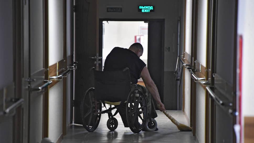 Правительство решило максимально обезопасить обитателей интернатов, детских домов и домов престарелых из-за коронавируса
