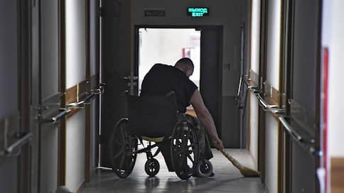 Приют-кампания  / Правительство решило максимально обезопасить обитателей интернатов, детских домов и домов престарелых
