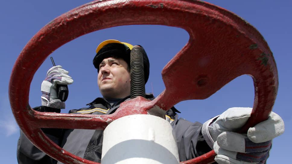 Сокращай, подешевело / Россия возьмет на себя самую большую долю снижения добычи нефти от уровня марта