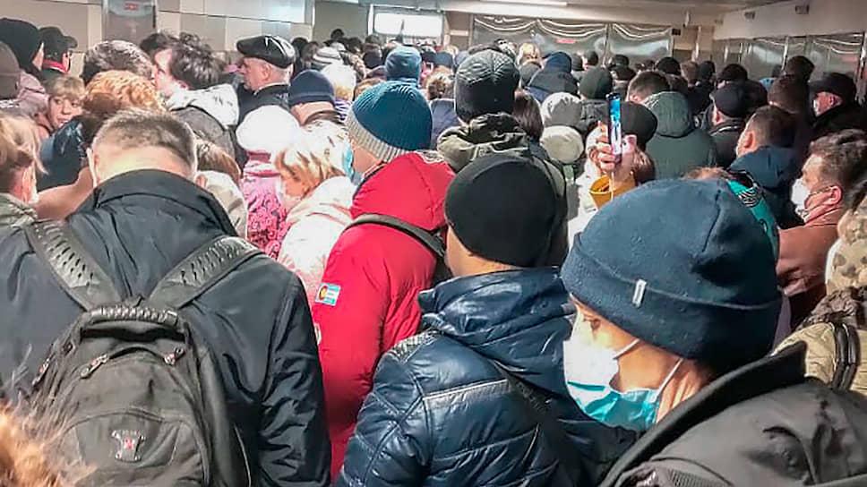 Как проверка электронных пропусков в метро только усугубила вирусную угрозу