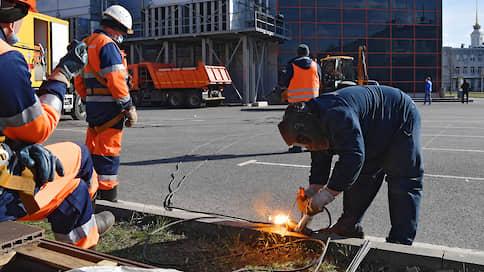 Карантин перешел в праздник  / Власти Москвы продлевают ограничения и готовят полевые госпитали