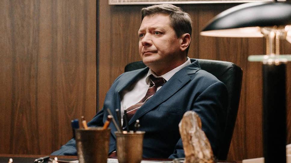 Комичный чудик-министр Тихомиров — возможно, лучшая на текущий момент роль актера Яна Цапника