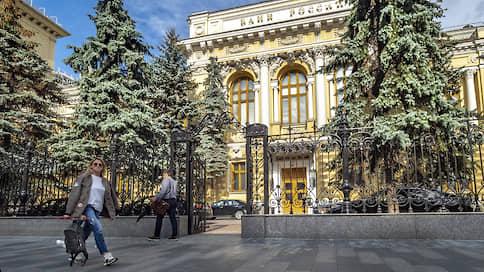 Платежный баланс выстоял в апреле  / Рубль спасли ЦБ и сжатие ненефтяного дефицита внешних операций РФ