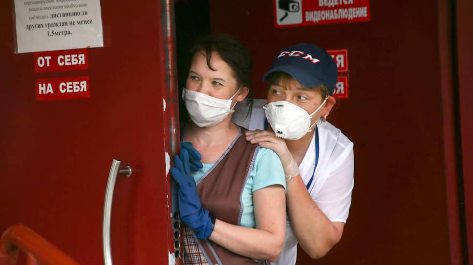 Сергей Собянин разрешил москвичам гулять смелее, но маски при этом потребовал не снимать