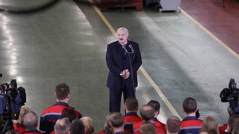 «У нас конституция не под женщину»  / Александр Лукашенко выступил на Минском тракторном на тему политического гендера