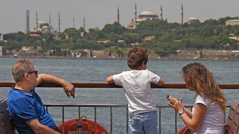 Российский турист душой в Турции / Несмотря ни на что он ищет туда дорогу