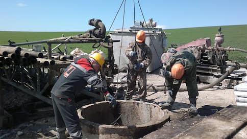 «Росгеологию» отодвигают от госконтрактов  / Компания лишилась монополии на госзаказ в геологоразведке