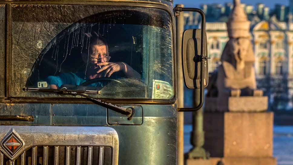 Штрафы идут по приборам / В России могут ввести онлайн-тахографы