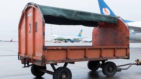 Грузы не находят себе мест  / Авиаперевозка товаров в пассажирских салонах упала в цене
