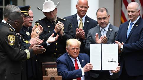 Если копы кое-где у нас порой  / Дональд Трамп предложил реформу американской полиции