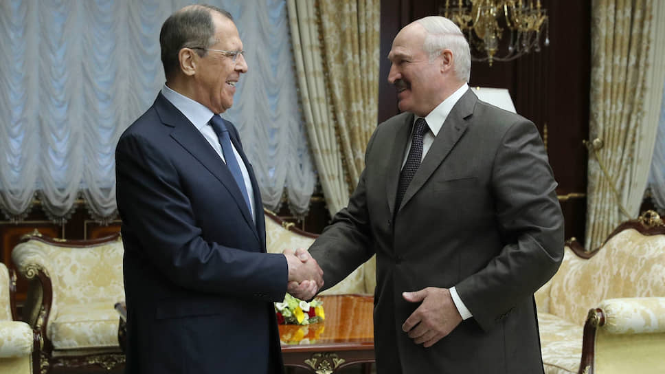 На встрече в Минске глава МИД РФ Сергей Лавров и президент Белоруссии Александр Лукашенко заверяли друг друга, что неразрешимых противоречий между двумя странами нет